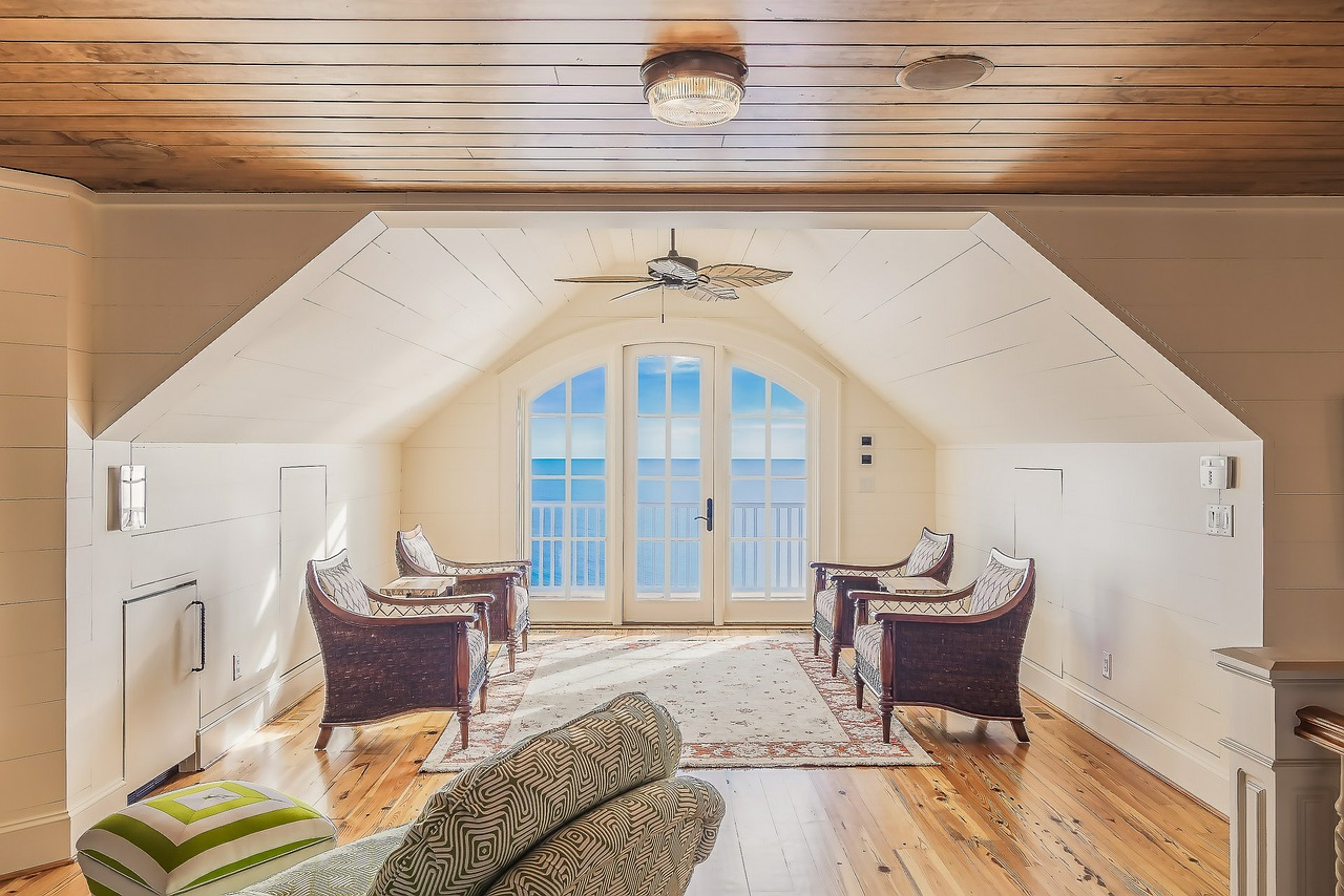 The darling life design inspiration for sunrooms for Sunroom inspiration