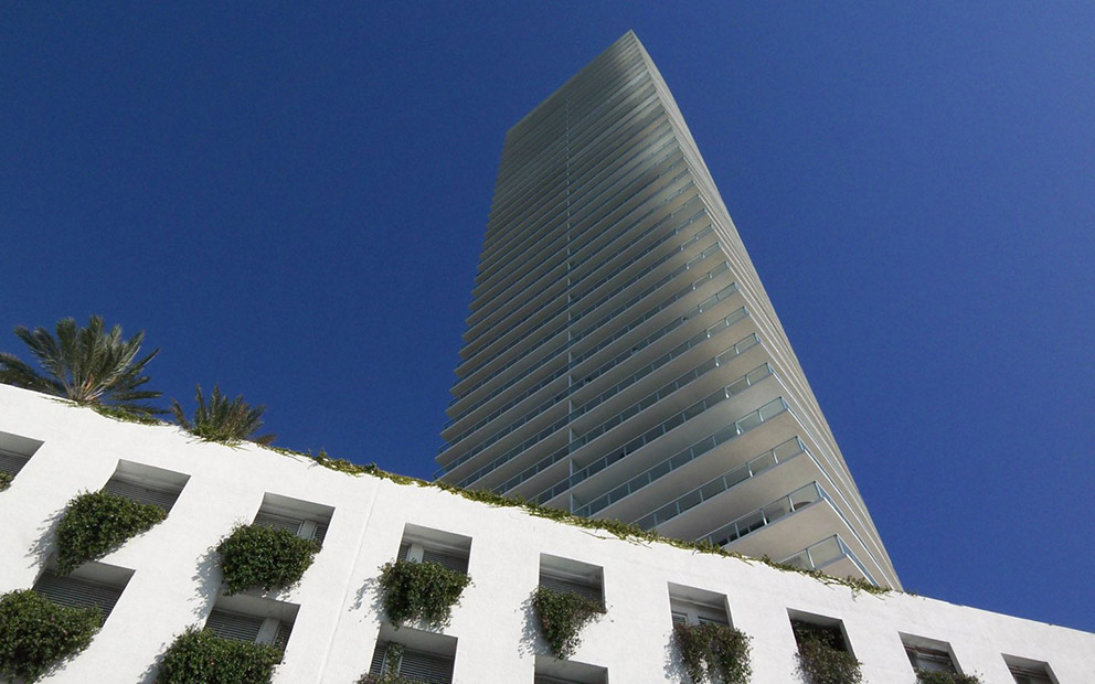 croppedimage1440900-exterior-south-beach-miami-yoo-by-starck