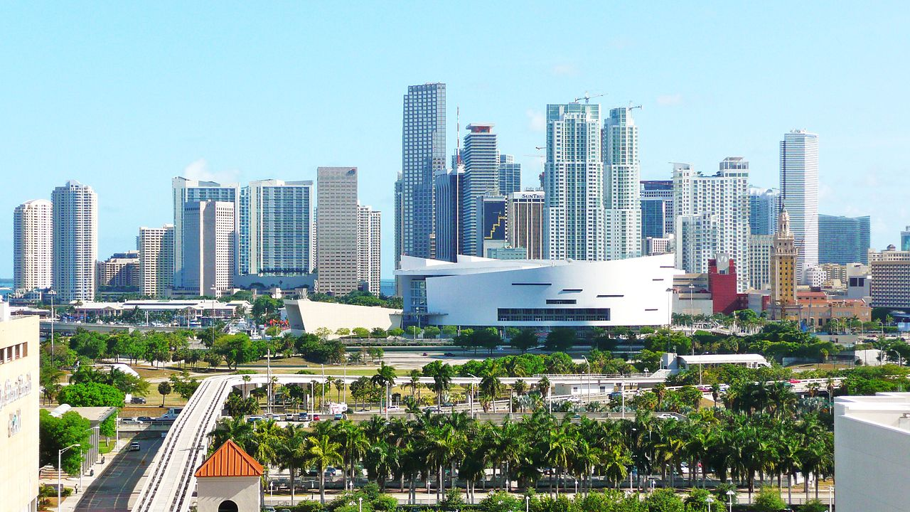 1280px-Central_Downtown_Miami_20090513
