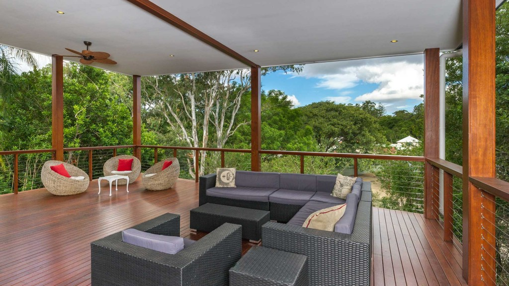 Deck_maintenance_Brisbane