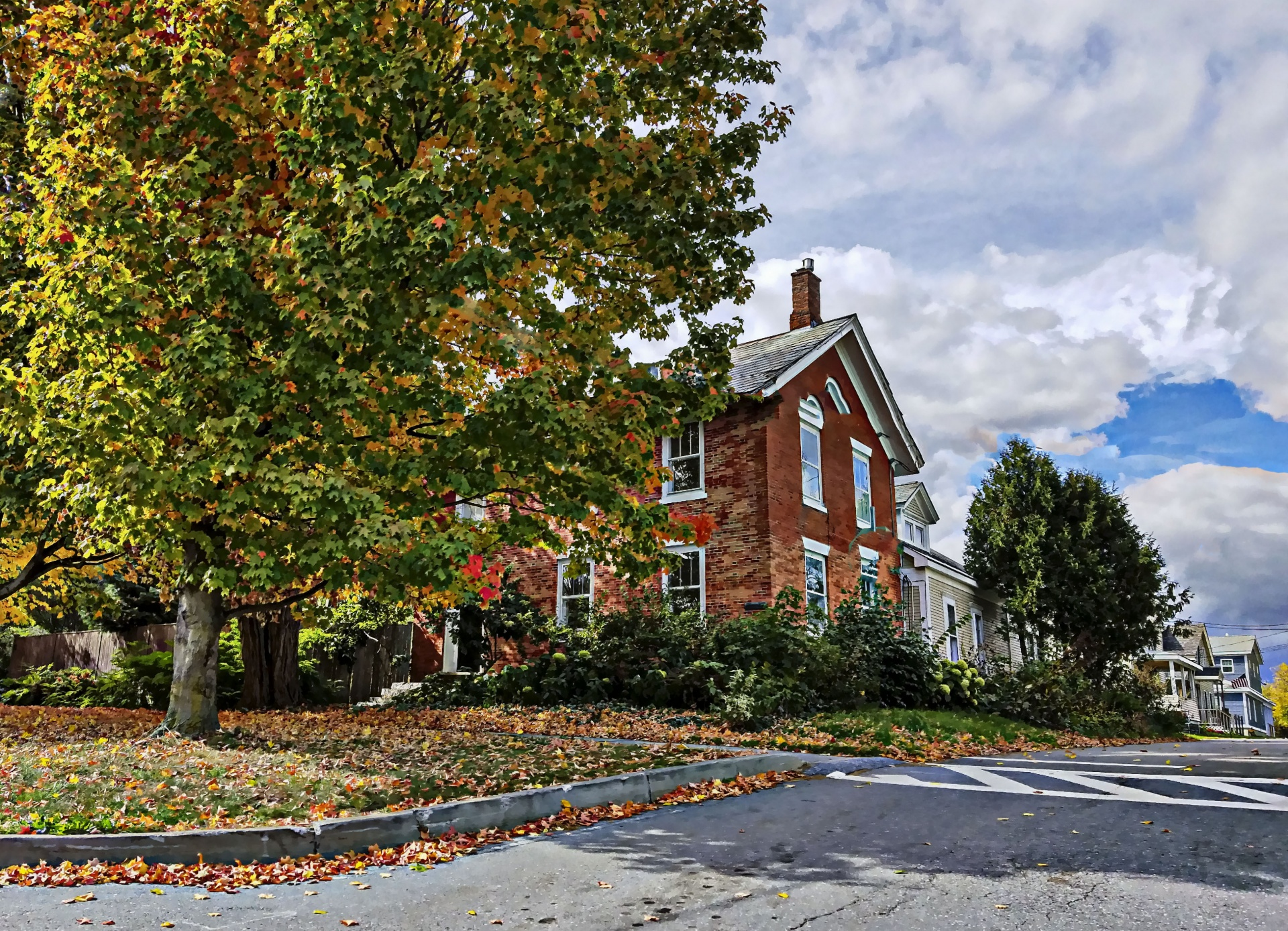 brick-house-in-the-autumn
